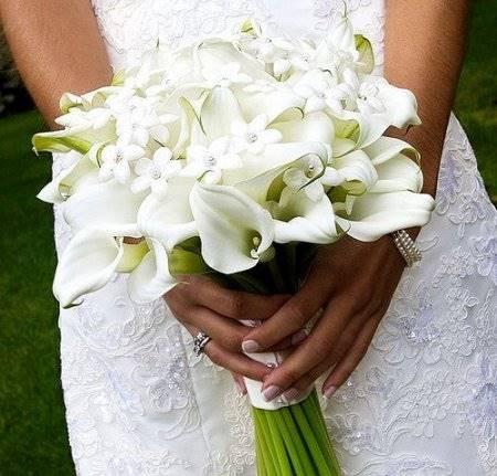 свадебный букет из калл невесты фото