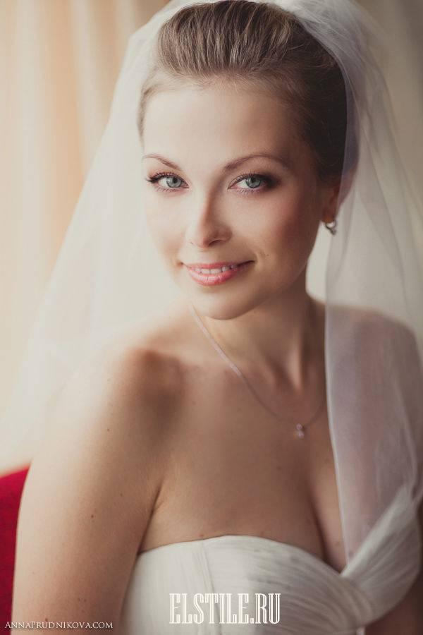 Классические свадебные прически... Свадебные прически с фатой