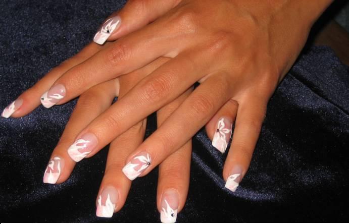 Французский свадебный маникюр на свои ногти