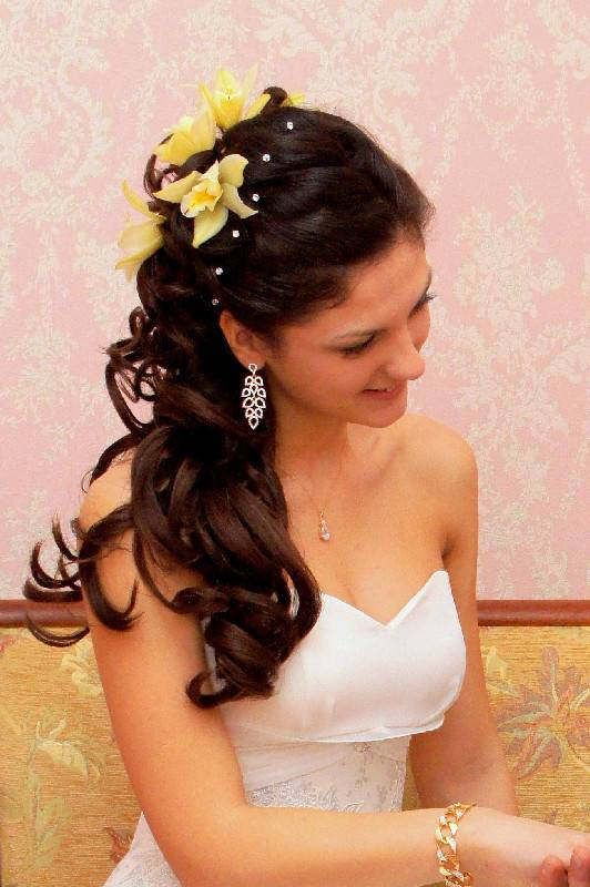 недлрогие свадебные прически на длинные волосы