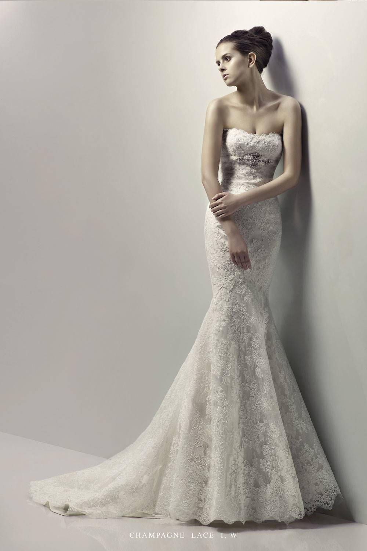 Кружевные свадебные платья фото приталенные